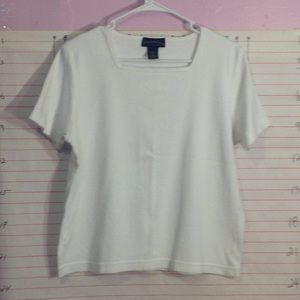 Casual wear sz Large White Tee shirt